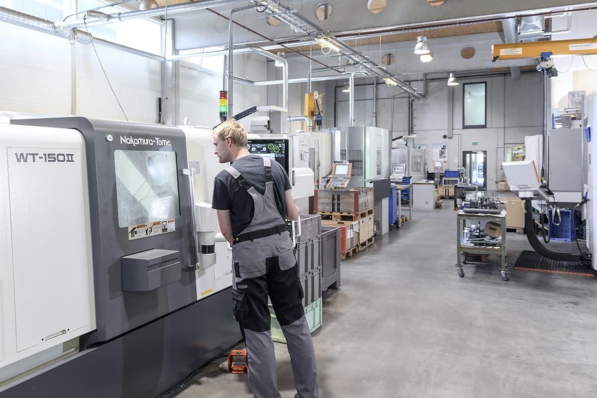 HSieben Maschinentechnik - Human Perception Automized Perfection - Kompetenzen Automatisation Drehen Automatisierung