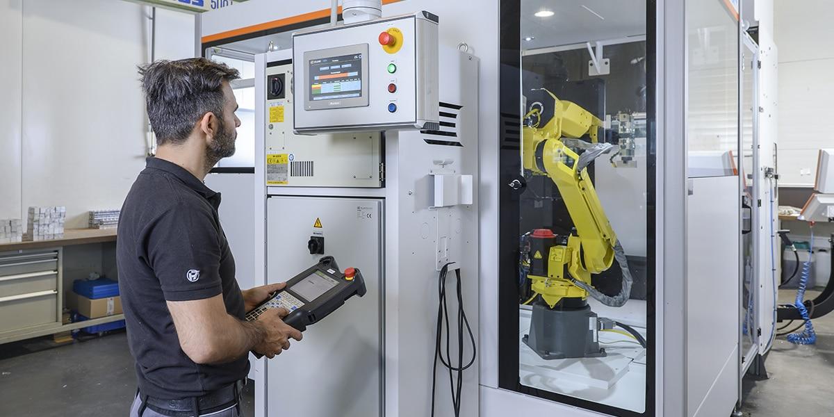 HSieben Maschinentechnik Langkampfen - Human Perception Automized Perfection - Kompetenzen Robotized Perfection moderne Automatisation Automatisierung