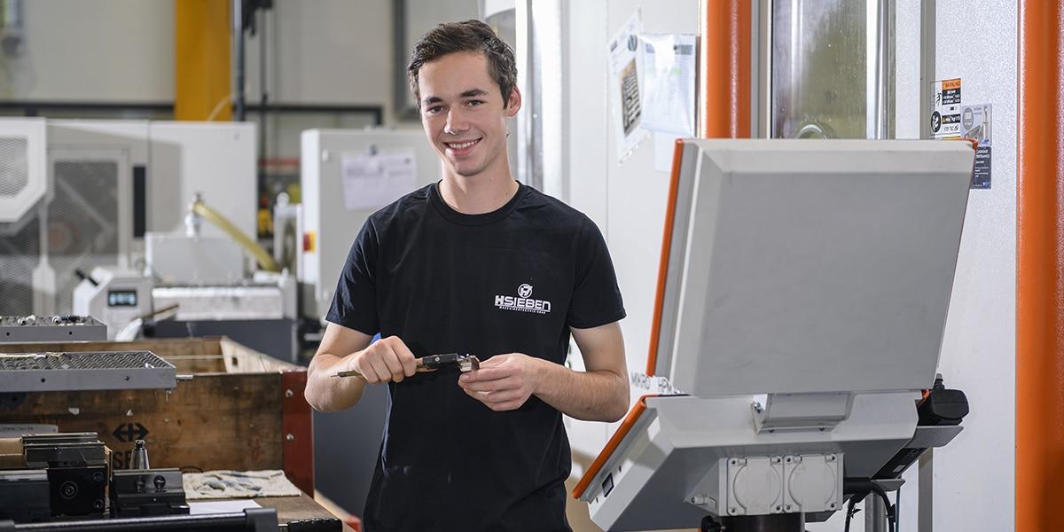 HSieben Maschinentechnik Langkampfen - Human Perception Automized Perfection - spanabhebende Bearbeitung, CNC, Fräsen, Automatisation, Team, Slider