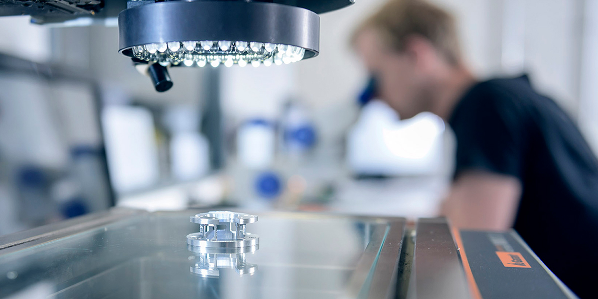 HSieben Maschinentechnik - Human Perception Automized Perfection - Qualitätssicherung, Einzelanfertigungen, Serienanfertigungen, Alu, Stahl, Niro, Kunststoff, 3D Messmaschine, Kompetenzen