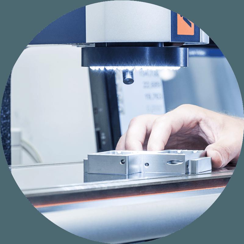 HSieben Maschinentechnik Langkampfen - Human Perception Automized Perfection - spanabhebende Bearbeitung, CNC, Fräsen, Automatisation, Aktuelles, Investitionen, Messmikroskop, Garant MM1-200